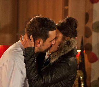 Coronation Street 30/12 –Peter and Tina play a risky game