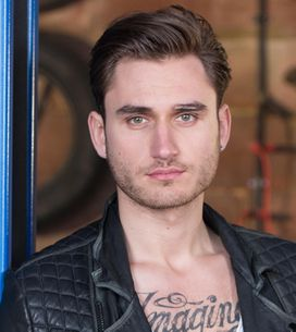 Hollyoaks 30/12 – Freddie uses underhand tactics
