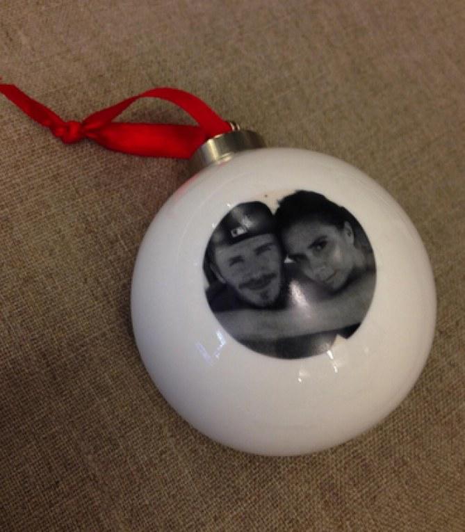 La boule de Noël signée Victoria Beckham