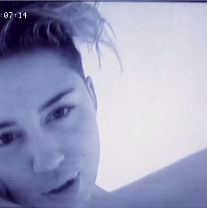 Miley Cyrus in 'Adore you'