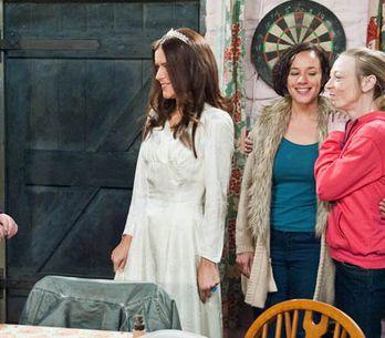 Emmerdale 10/01 – David isn't happy when Leyla returns to the village