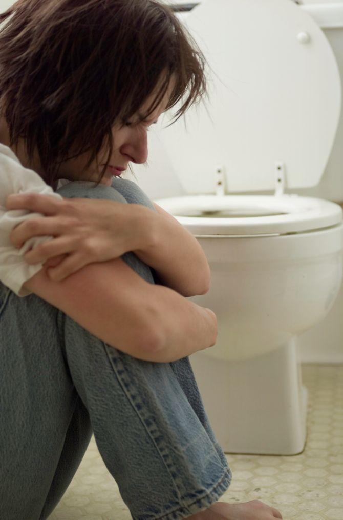 Elle passe le réveillon enfermée dans les toilettes
