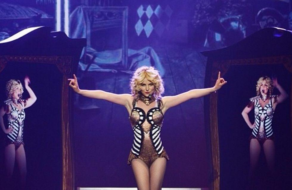 Britney Spears : Elle perd sa robe en plein concert (vidéo)
