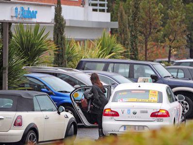 Sara Carbonero llegando a la clínica Ruber