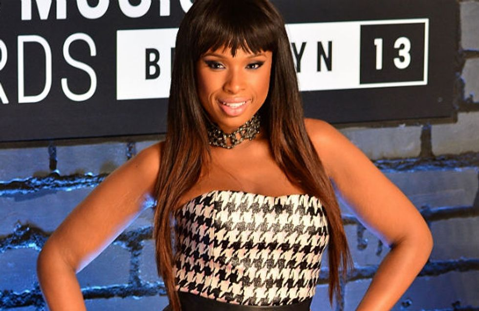 Jennifer Hudson buys her assistant a house for Christmas - Watch his reaction!