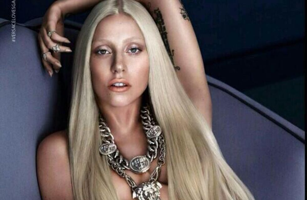 Lady Gaga : Topless pour Versace (Photo)