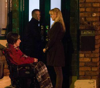 Coronation Street 17/01 – Hayley begins to say goodbye