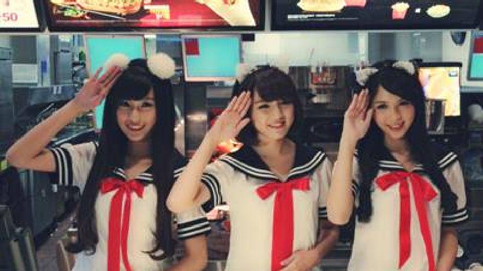 Insolite : Habillées en écolières ou en bonniches pour servir dans un fast-food (vidéo)