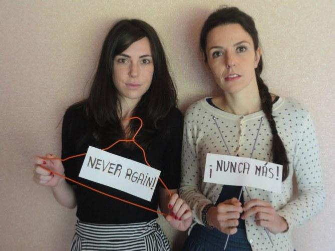 Avortement : Elles posent avec des cintres pour protéger leur droit