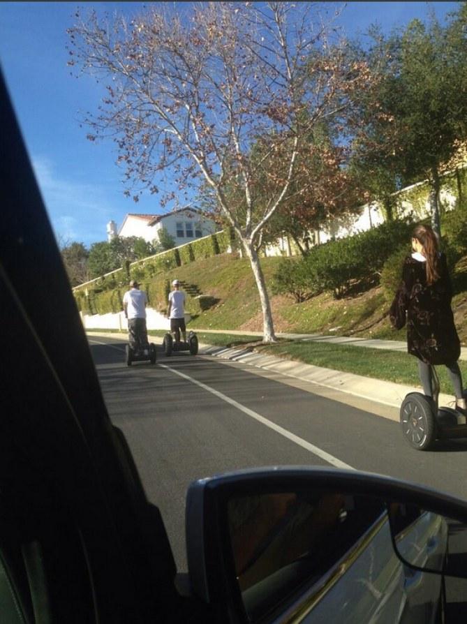 Justin Bieber & Selena Gomez auf Segways