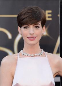 Anne Hathaway : Elle échappe de peu à la noyade