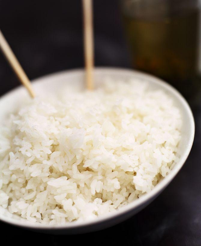 Witte rijst is de dag na een feest vaak een welkom voedingsmiddel.