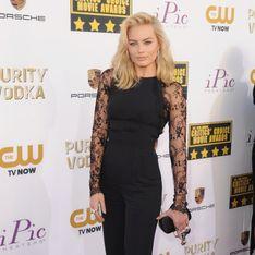 Margot Robbie : Sexy en Elie Saab pour les Critics' Choice Awards