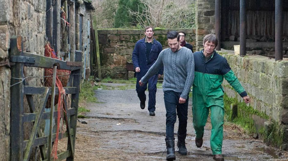 Emmerdale 30/01 – Peter and Ross bicker about money