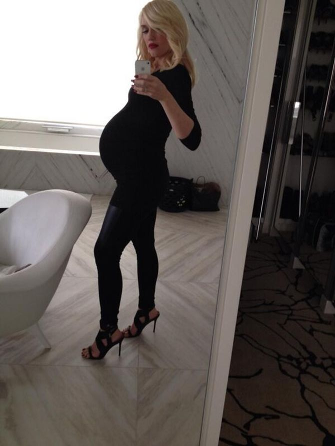 Gwen Stefani enceinte et stylée