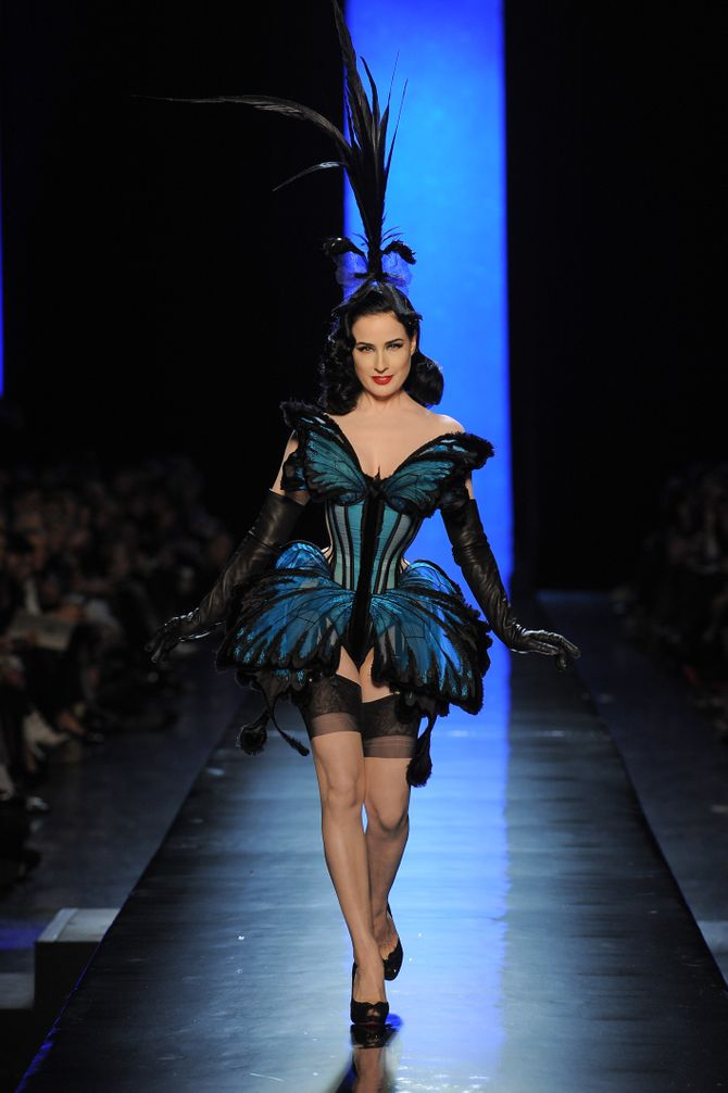 Dita Van Teese au défilé Jean Paul Gaultier Haute Couture printemps-été 2014