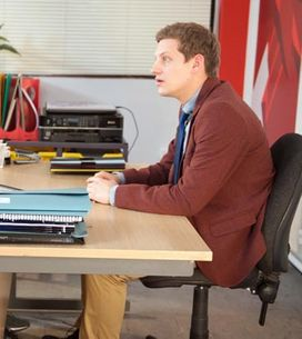 Hollyoaks 03/02 – Sinead feels the pressure to give Freddie a great party