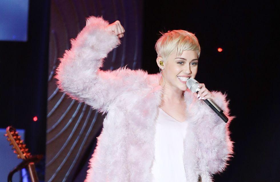Miley Cyrus : Bannie des Grammy Awards, elle se venge sur Twitter (Photos)