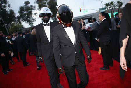 Daft Punk a su llegada a los Grammy