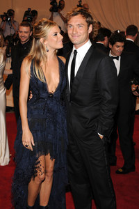 Jude Law and Sienna Miller