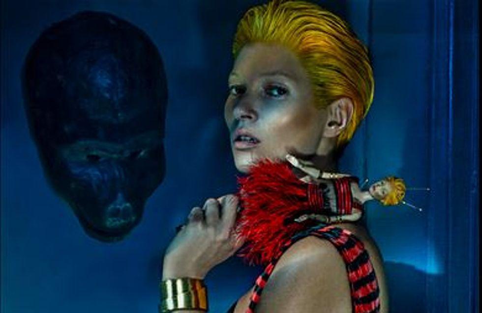 Kate Moss : Méconnaissable pour Alexander McQueen (Photos)