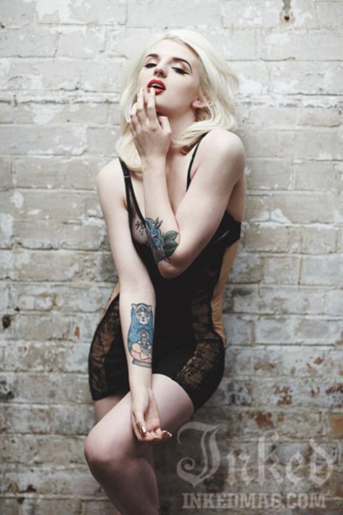 Katrina Darling pose pour Inked Magazine