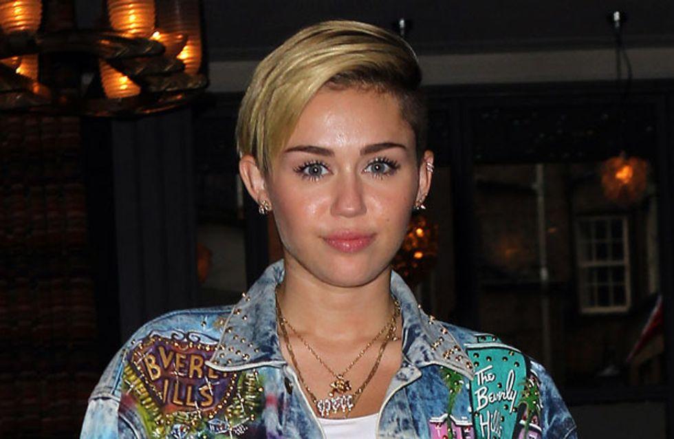 Miley Cyrus spanks Madonna during raunchy performance