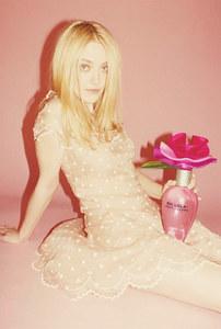 Dakota Fanning en la polémica campaña de Oh Lola