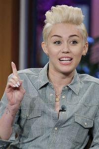 Miley Cyrus in der Late Night Show von Jay Leno
