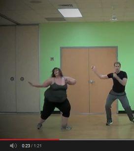 Schüttel deinen Speck! Diese Dicke tanzt alle an die Wand