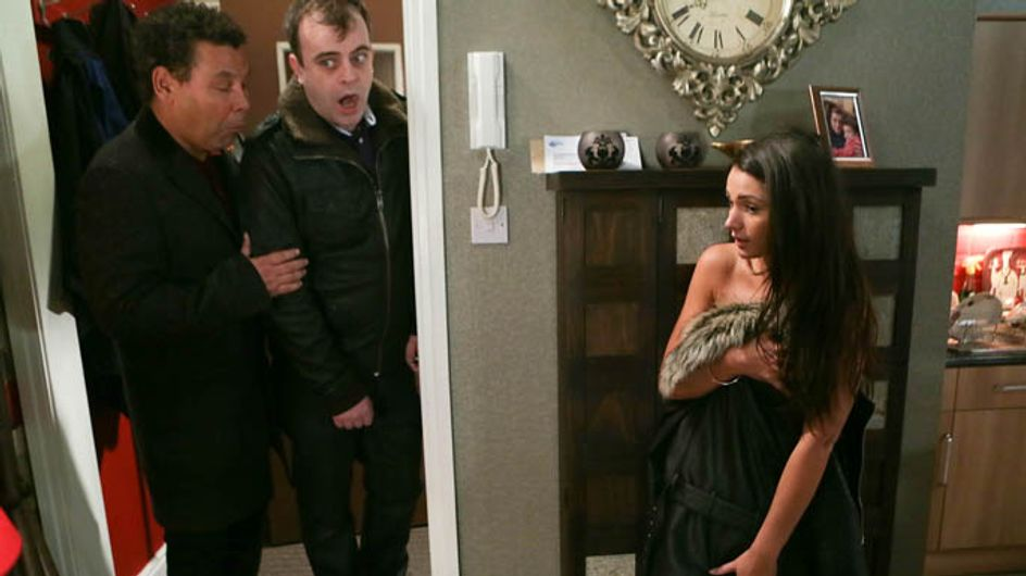 Coronation Street 17/02 – Peter and Tina's affair takes off