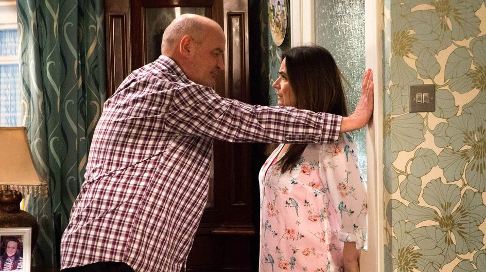 Coronation Street 24/02 – Phelan makes his intentions clear