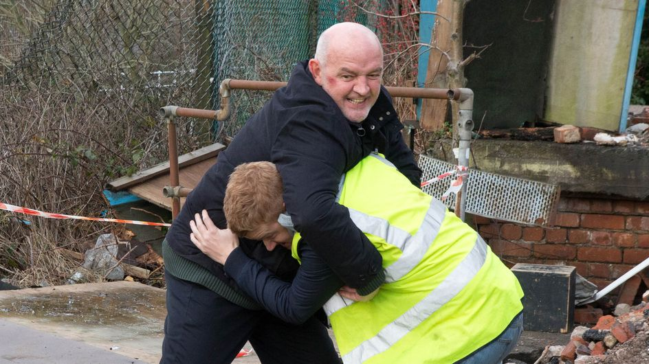 Coronation Street 26/02 – Gary takes the law into his own hands