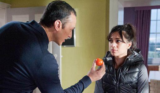 Jai becomes desperate to find Rachel