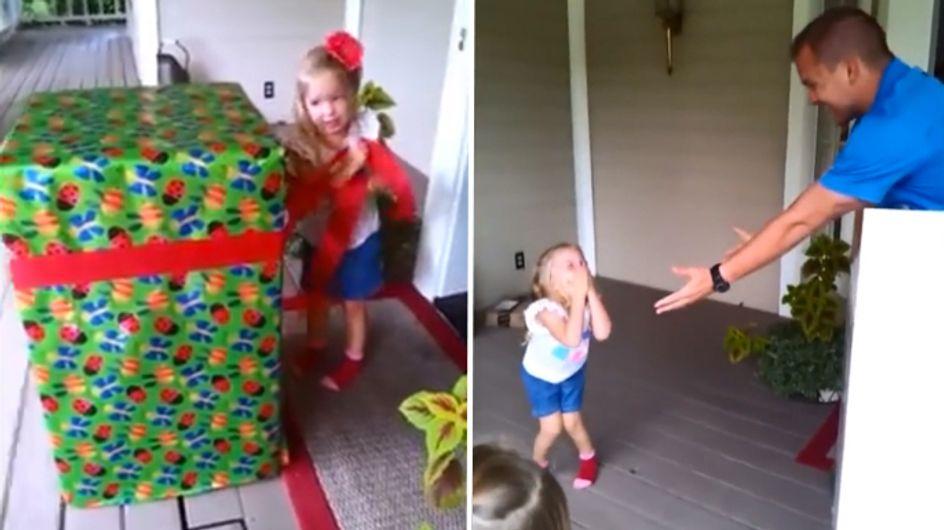 Video/ Il regalo più bello che potesse ricevere questa bimba? Il suo papà!