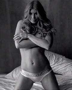 Fergie se dévoile pour Calvin Klein