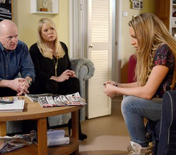 Eastenders 3/03 – Sharon and Phil squabble about the bar