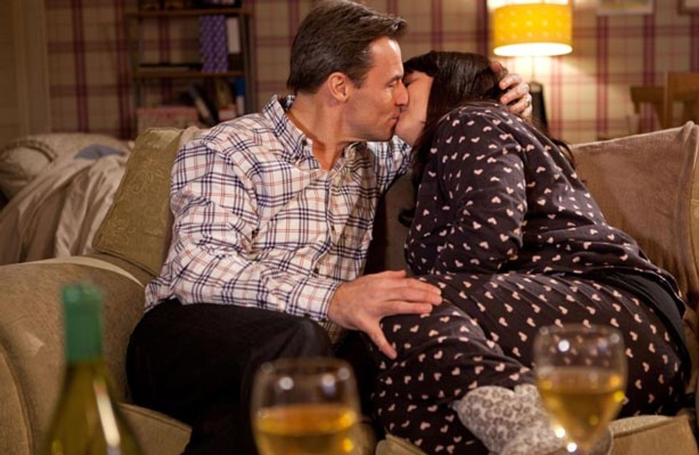 Hollyoaks 3/03 – Can Tegan and Fraser keep their affair a secret?
