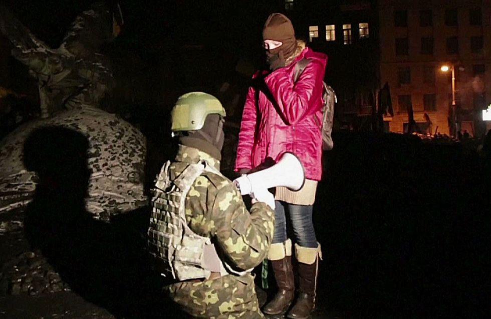 L'amour l'emporte : Pendant les manifestations ukrainiennes, cette opposante et ce policier sont tombés amoureux