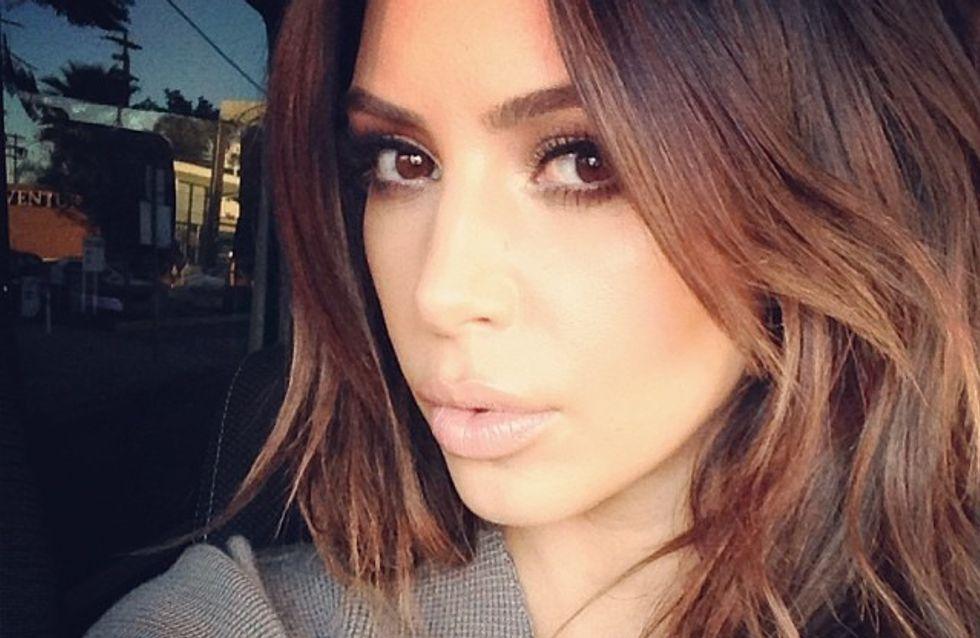 Kim Kardashian : Elle se fait refaire les seins en direct (vidéo)