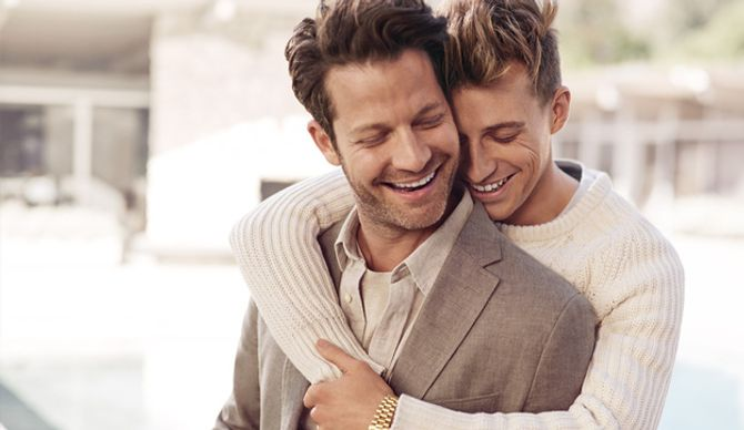 Banana Republic dévoile une superbe campagne qui soutient l'homosexualité