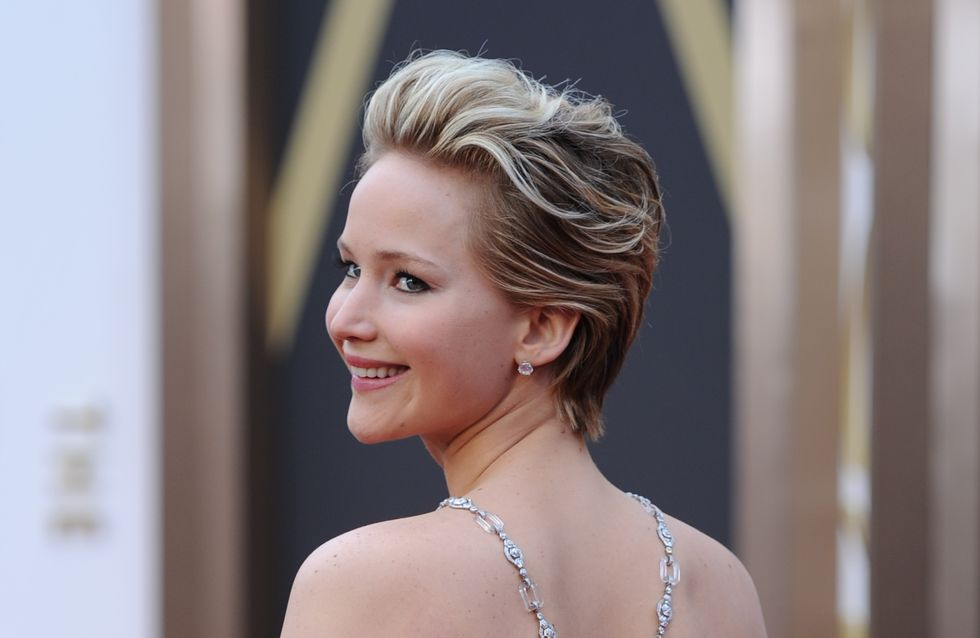 WATCH: Jennifer Lawrence falls over at the Oscars... again