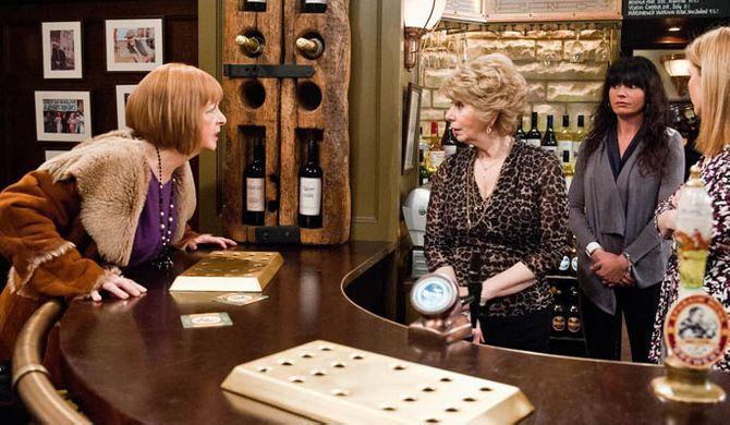 A hurt Val turns on Diane but is caught off guard when Diane tells her Eric still loves her