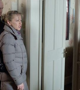 Eastenders 14/03 – Carol becomes suspicious about Kat's actions