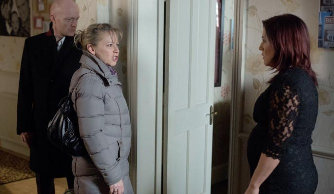 Carol becomes suspicious when Mo reveals that Kat's actions might have something to do with Stacey