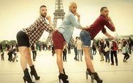 Trois hommes en talons aiguilles proposent une parodie des Spice Girls (Vidéo)
