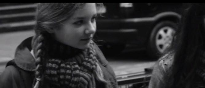 Emma, une fillette insouciante comme les autres