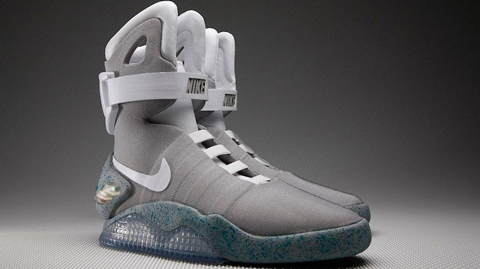 Ti ricordi le famose scarpe da ginnastica di Ritorno al futuro, che si allacciavano da sole? Le hanno create per davvero!