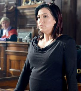 Eastenders 18/03 – Kat can't decide what to do in court
