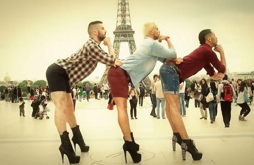 Tres chicos bailan el famoso 'Wannabe' de las Spice Girls... ¡en mitad de París y subidos en unos taconazos!